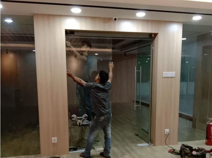 pintu kaca tempered kantor