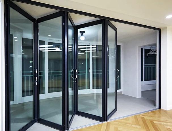 Pintu lipat frame aluminium - kaca